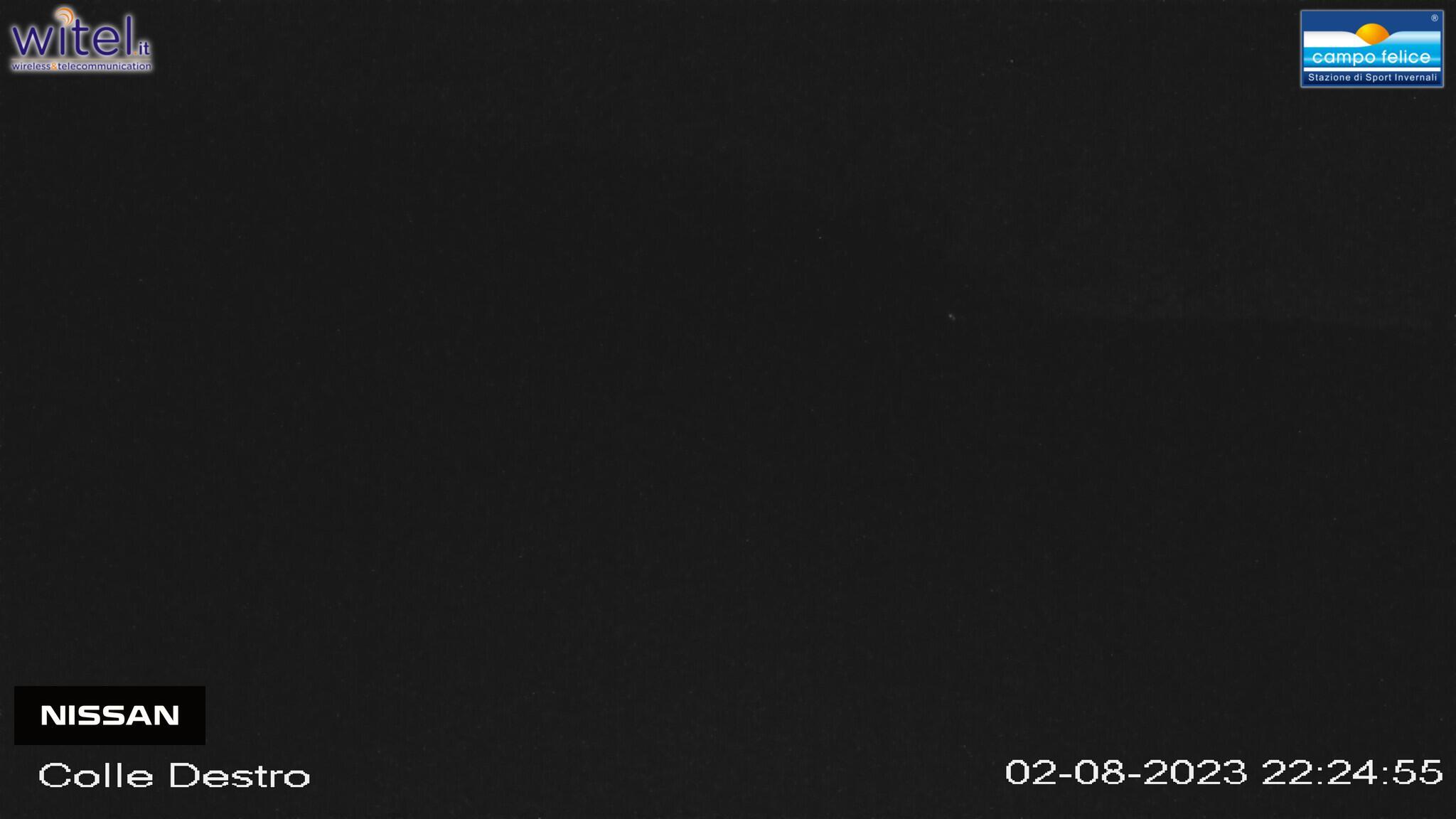 webcam Campo Felice Vallone Innamorati - Posizione: vista su partenza Seggiovia Colle Destro, Rifugio Innamorati, Tappeto Innamorati - Altitudine: 1715 m.s.l.m., Abruzzo Italy